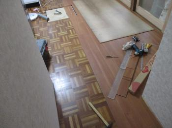 20150913ysama-toli_solid_vinyl_tile-under_construction07.jpg