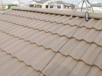 屋根が古くなって、雨漏りが心配な方に向けた施工事例です。<br>この施工事例を読む事で、古い屋根と新しい屋根の構造の違いや、屋根が軽くなる事で耐震性能が上がる理由がわかるようになります。<br>■淡路瓦から、スレート瓦屋根の葺き替え工事事例です。