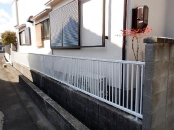 窓と雨戸だけ取替える事はできますか?<br>できます!<br>今回は台風被害による雨戸付き窓とフェンスの取替え事例です。リフォームを検討中の方、気になる工程をチェックしましょう。