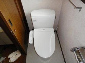 トイレリフォームをお考えの方へ。便座だけ交換?便器ごと全て交換?床材は?壁紙はどうしよう?ご相談ください。ご提案をさせて頂きます。