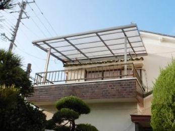 ベランダやバルコニーの屋根を新しく設置したい方はもちろん、取替えを希望の方にもおすすめ!「テラーネZ」設置工事事例です。